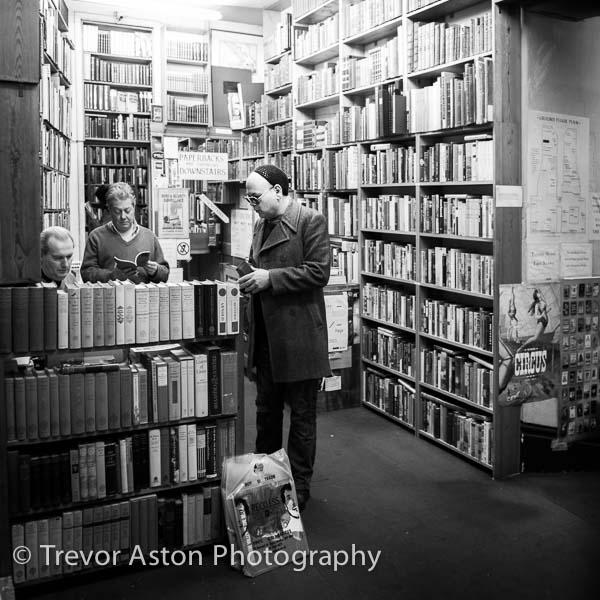 Secondhand book buyer